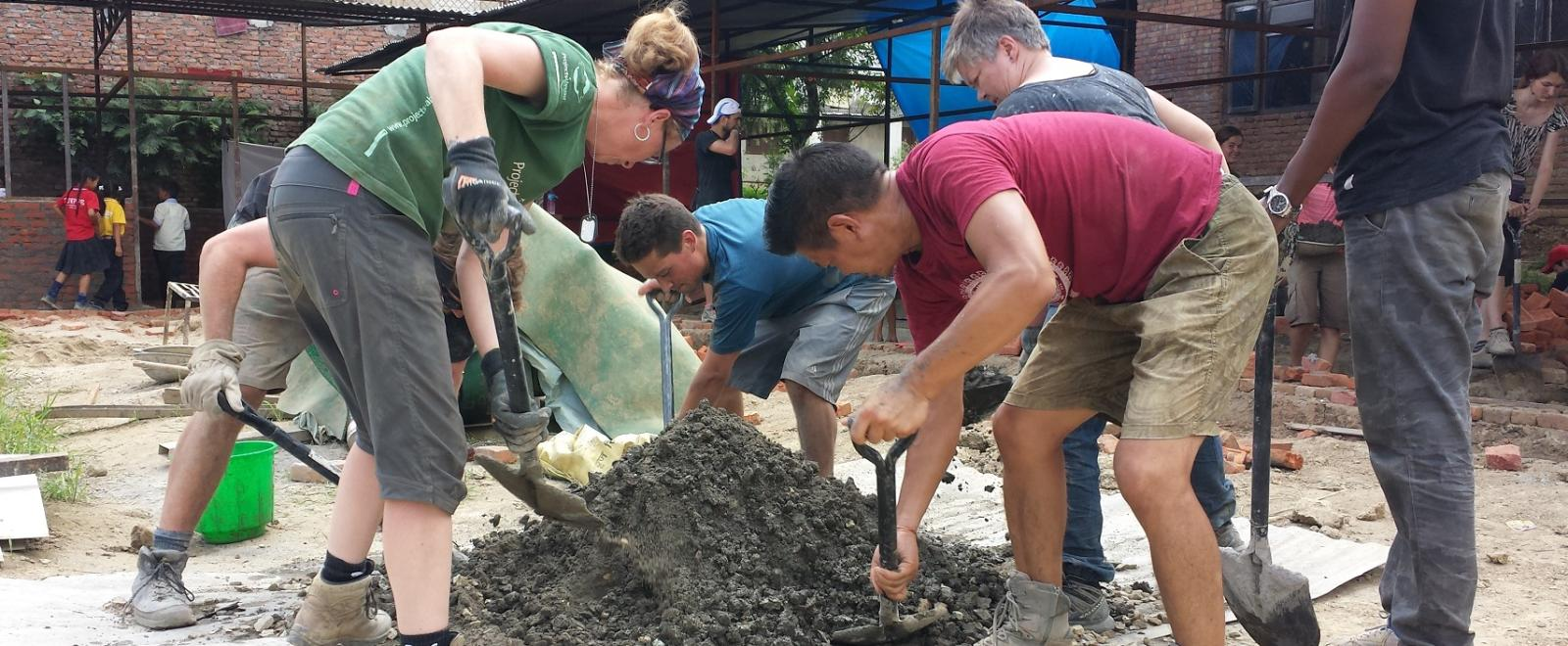 Projects Abroad volunteers contribute to the Nepal Building Project